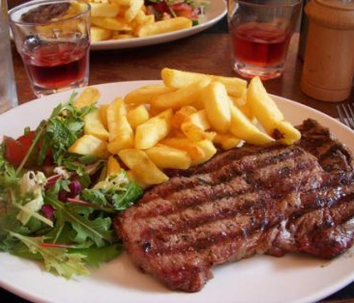 steak-chips-salad